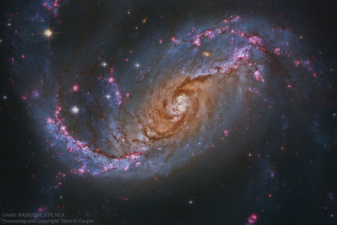 کهکشان مارپیچ میله ای NGC 167