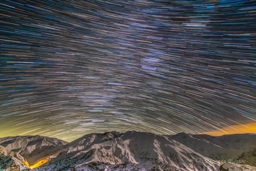 رد ستارگان برفراز کوه های البرز