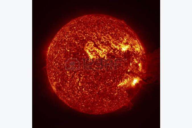 انفجاری در اتمسفر خورشید در نور فرابنفش + ویدیو