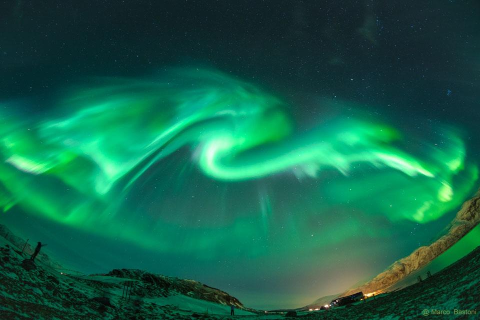 شفق اژدها مانند برفراز نروژ