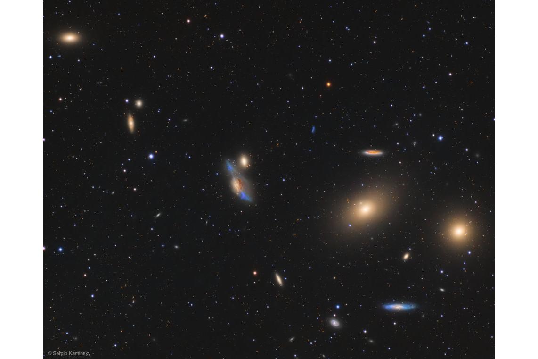 زنجیرهای از کهکشانها در خوشه کهکشانی سنبله