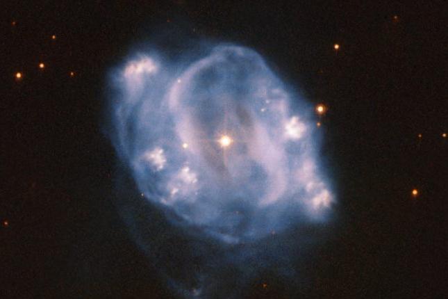 تصویر تماشایی هابل از سحابی سیارهایNGC 5307