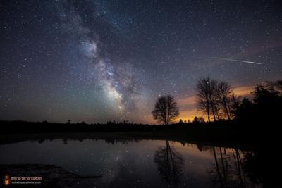 گذر یک آذرگوی از کنار کهکشان راه شیری