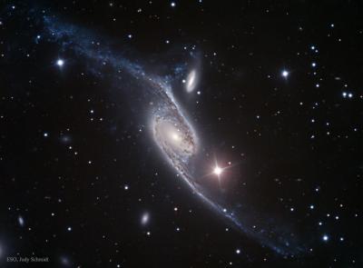 کهکشان NGC 6872: یک کهکشان مارپیچی کشیده