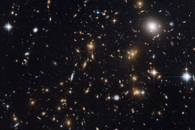عدسی های گرانشی ، تلسکوپ های خدادادی
