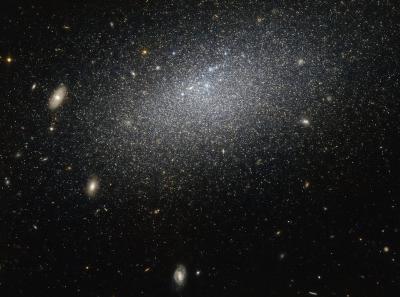 هابل راز یک کهکشان منزوی را آشکار می کند