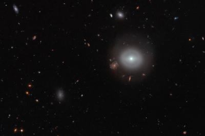 کهکشانی در میان ازدحام