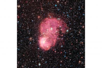 سحابی های درخشان در قمر کهکشان راه شیری