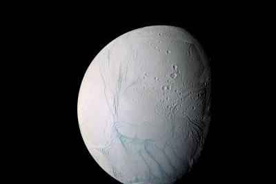 حرارت زیر سطح قمر یخی انسلادوس؛ اقیانوس زیر سطح
