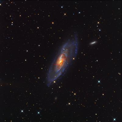 کهکشان M106