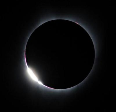 خورشید گرفتگی آمریکا و حلقه الماس