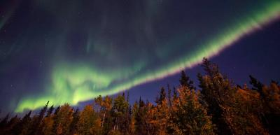 نورهای شمالی و رنگهای پاییز