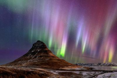 یک نمای جادویی از شفق قطبی