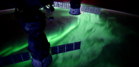 شفق قطبی خیره کننده از فضا