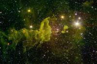 یک عنکبوت فضایی مراقب ستاره های کوچک